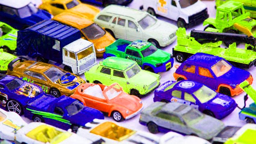 ماشین های اسباب بازی فلزی کوچک