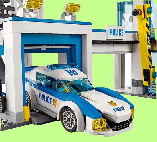 ماشین پلیس لگویی